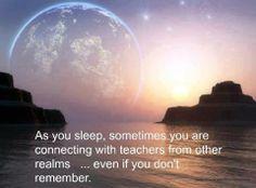 """""""Quando dormimos, por vezes entramos em contacto com os professores de outros reinos .. mesmo que não nos lembremos"""". Carl Jung and the Collective Consciousness...."""