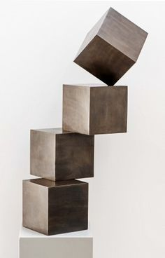 BALANCE 1998 Bronze Höhe 25 cm / 48 cm Auflage 10 / 5 Stephan Siebers