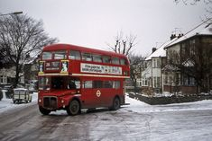 Those of you familiar with the long ascent up Longmore Avenue in New Barnet will sympathsise with the crew of from Finchley Garage, getting it a bit sideways in very slippery conditions on the 26 early in Neil F. London Red Bus, Bolton Wanderers, Routemaster, Double Decker Bus, Bus Coach, London Transport, Barnet, Busses, Union Jack