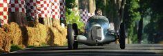 Classic Days am Schloss Dyck. Das Klassiker und Motorfestival.