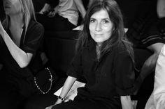 Emmanuelle Alt, rédactrice en chef de Vogue Paris au premier rang du défilé Ralph Lauren printemps-été 2014 http://www.vogue.fr/mode/inspirations/diaporama/journal-de-la-fashion-week-printemps-ete-2014-a-new-york-jour-6/15203/image/830575