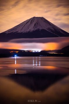 Some of Japan's physical features include Mount Fuji, Honshu, Kyushu, and many more. Monte Fuji Japon, Places Around The World, Around The Worlds, Beautiful World, Beautiful Places, Fuji Mountain, Japon Tokyo, Mont Fuji, Aesthetic Japan