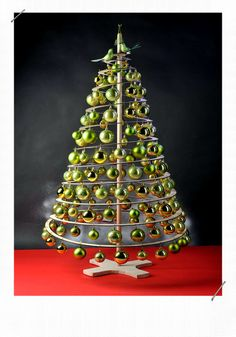 Spiral Christmas Tree, Christmas Tree Wreath, Cool Christmas Trees, Christmas Tree Themes, Noel Christmas, Holiday Tree, Christmas Pictures, Xmas Tree, Christmas Crafts