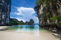 Hong island, Thailand by Vincent Xeridat