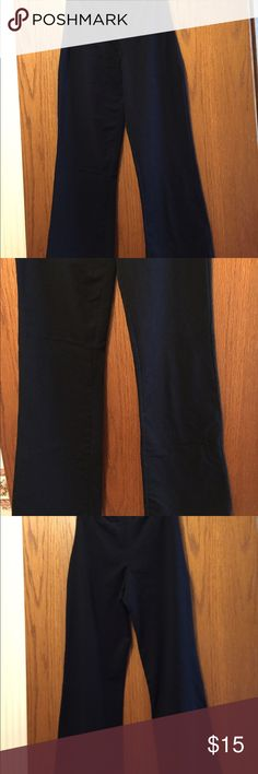 """Women With Control Regular Stretch Leggings Black boot cut leggings. Elastic waistband. Stretch fabric. Fitted at waist and boot cut leg. Excellent condition. 86% cotton, 14% spandex. Waist 24"""". Inseam 31.5"""". 9.5"""" rise. Not from a smoke-free house. Style A92961 Women With Control Pants Leggings"""