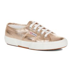 Cotmetu Rose Gold Trainer (1.100 ARS) ❤ liked on Polyvore featuring shoes, sneakers, metallic sneakers, superga shoes, rose gold metallic shoes, shiny shoes and rose gold shoes
