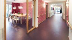 Linoleumul Forbo este o podea naturala, formata in proportie de 97% din materiale naturale, cu un continut reciclabil de 43%.  http://www.profloor.ro/pardoseli/linoleum/