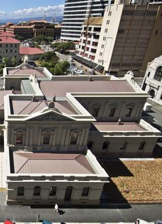Supreme Court of New Zealand, Wellington (New Zealand) Architect : Roy Wilson of Warren & Mahoney, Installer : AQUA HEAT Copyright : Paul McCredie photographer Technique: VMZ Standing seam Red Wellington New Zealand, Supreme Court, Aqua, Aesthetics, Mansions, Architecture, House Styles, Outdoor Decor, Red