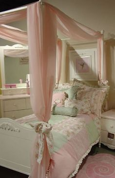 the green & pink cottage .. X ღɱɧღ || California Kids Madeline Bedding