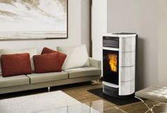 SIRENA  Pelletsöfen von großem Leistungsvermögen und mit neuartiger Technologie, die in der Lage sind, 100% der erzeugten Warmluft mit Hilfe eines Ventilators von 800 m3/h zu kanalisieren.