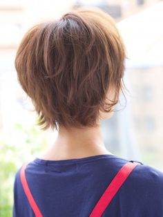 Long shag Short hair back ideas Short Hair Back, Medium Short Hair, Short Hair Cuts, Short Hair Styles, Pixie Cuts, Shortish Hair, Look 2018, Cute Hairstyles For Short Hair, Hairstyles Haircuts