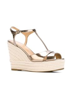 #sergiorossi #sandals #shoes #platforms #gold #women #style www.jofre.eu