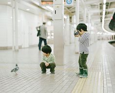 Adorable brothers photograph by Hideaki Hamada (via Knot & Bow)