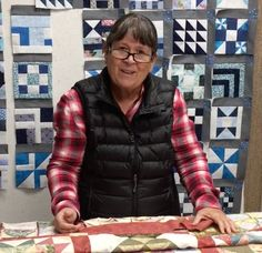 How to cut perfect borders without a tape measure! Tape Measure, Quilting Tips, Tutorials, Wizards, Teaching