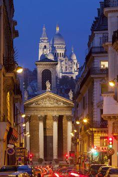 Rue Lafitte, Notre Dame de Lorette et le Sacré Coeur