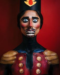 Rupinder Ashan ( creates this amazing christmas makeup look as a nutcracker using Illamasqua precision liner in shade infinity Christmas Makeup Look, Cool Halloween Makeup, Halloween Make Up, Red Eyeshadow Palette, Bronze Eyeshadow, Mehron Makeup, Winter Makeup, Make Up Remover, Maquillage Halloween