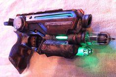Etsy の Steampunk Nerf Gun Cosplay Pistol by DemCrafts