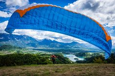 Not bad, to start the day with a panoramic flight above Lake Bled.😎 We are so amazed to show you this gorgeous place from above. @bledslovenia🤩 Julian Alps, Lake Bled, What Activities, Ice Climbing, Paragliding, Slovenia, Rafting, Sunny Days, National Parks