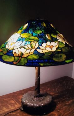 20 inch Tiffany waterliy made by joanne leary stained glass artist Stained Glass Lamp Shades, Stained Glass Light, Tiffany Stained Glass, Tiffany Glass, Stained Glass Patterns, Art Nouveau, Lampe Art Deco, Lampshade Designs, Vintage Lamps