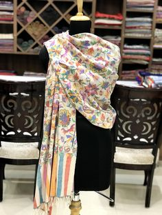 68 trendy how to wear pashminas scarf winter fashion Embroidery Scarf, Bodycon Outfits, Kashmiri Shawls, Pashmina Shawl, Indian Designer Wear, Shawls And Wraps, Indian Wear, Winter Fashion, Women's Fashion