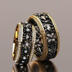 Обручальные кольца парные с черным центром 71000 ₽