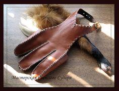 medieval archery gloves - Pesquisa do Google