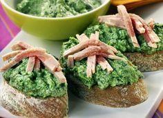 Špenátová pomazánka (z lístkov) Avocado Toast, Guacamole, Food And Drink, Mexican, Breakfast, Ethnic Recipes, Videos, Fitness, World