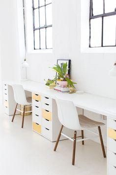 Best Two Person Desk Design Ideas for Your Home Office Workspace Diy Office Desk, Ikea Office, Home Office Desks, Diy Desk, Office Spaces, Work Spaces, Kid Spaces, Ikea Handwerksraum, Ikea Desk