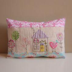 Roxy Creations: Cushion bird house applique embroidery