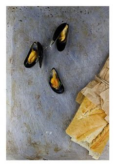 Mussels in white wine  http://zucchini-blues.blogspot.com/2015/01/mule-w-biaym-winie.html