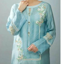 Latest kurti neckline designs - The handmade craft Neck Designs For Suits, Sleeves Designs For Dresses, Neckline Designs, Dress Neck Designs, Blouse Designs, Stylish Dress Designs, Stylish Dresses, Women's Fashion Dresses, Simple Dresses