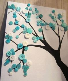 BUTTON TREE....Cute for decorating your room. Sylvie, remember this!