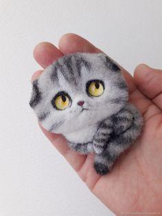 Купить Британская вислоухая котик-брошь - котенок, котик, брошь из войлока, брошка, портрет по фото Needle Felted Cat, Needle Felted Animals, Felt Animals, Fuzzy Felt, Wool Felt, Needle Felting Tutorials, Felt Cat, Felt Brooch, Handmade Felt