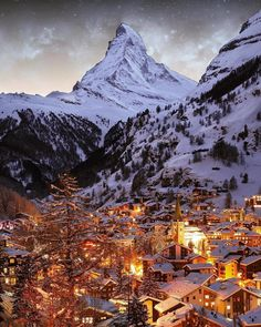 A view of the Matterhorn in winter - Zermatt,Switzerland Zermatt, Grindelwald Switzerland, Winter Scenery, Destination Voyage, Beautiful Places To Travel, Wonderful Places, Travel Aesthetic, Dream Vacations, Adventure Travel