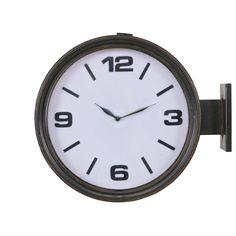 Gave wandklok van Bepurehome, de klok lijkt zo uit een oud station gehaald te zijn. Dit geeft de klok een vintage look, maar kan ook zeker in een industrieel of