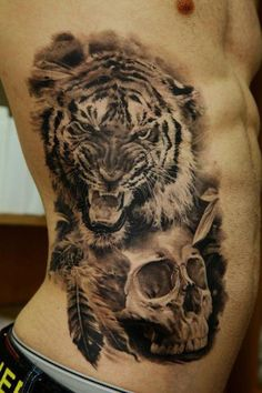 Amazing black and white tattoo. Another favourite style for me. Also tiger tattoos are so nice.