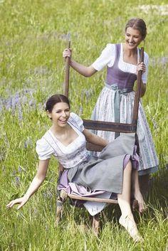 Tostmann Trachten: Alltagsdirndl Modest Outfits, Trendy Outfits, Modest Clothing, Dress With Shawl, Dirndl Dress, Barefoot Girls, Austria, Medieval Dress, Folk Costume