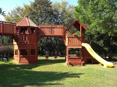 You have to check out this #DIY #playground. Click on the picture to see all the photos of this masterpiece.