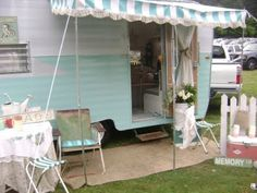 """I want one of these campers! I would probably start doing craft shows again..if I had one.  It would be my """"Shabby Cabby"""" <3"""