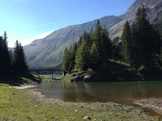 Ausflug zum Obernberger See - ein Bergsee in den Stubaier Alpen im österreichischen Bundesland Tirol. #reisen #tirol #urlaub Mountains, Places, Nature, Travel, Alps, Vacation, Voyage, Viajes, Traveling