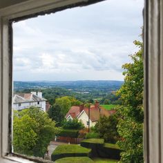The beautiful view from my window in my new room at Bible college truly blessed to be here. . . . . . . #photography #justrelax #vlogger #youtuber #jesus #hallelujah #church #holyspirit #God #biblecollege #creation #nature #blessed #beauty #beautiful #lanscape #malvern #malvenhills
