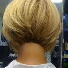Ideas regarding excellent looking women's hair. Your own hair is usually what can easily define you as a man or woman. To several people today it is vital to have a good hair style. New hair color ideas Short Hair Cuts, Short Hair Styles, Short Bob Haircuts, Stacked Bob Haircuts, Pretty Hairstyles, Hairstyles 2016, Hairstyle Ideas, Wedge Hairstyles, Wedding Hairstyles
