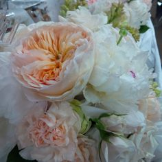 #BridalBouquet #JulietGardenRoses #Peonies #Carnations #Roses #LiliesWhite