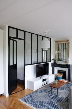 The transformation of a into a by the Atelier d'à Côté Source by Small Apartment Layout, Tiny Studio Apartments, Deco Studio, Room Partition Designs, Townhouse Designs, Studio Apartment Decorating, Home Decor Bedroom, Bedroom Small, Little Houses