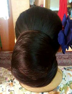 What a beautiful large low bun! Care however should be taken before adopting suc. Bun Hairstyles For Long Hair, Braids For Long Hair, Super Long Hair, Big Hair, Beautiful Long Hair, Gorgeous Hair, Long Indian Hair, Blonde Hair Black Girls, Long Hair Models