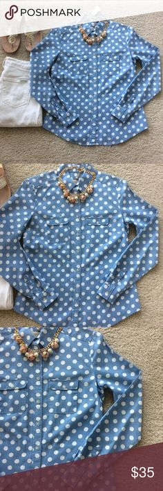"LOFT Polka Dot Chambray Shirt LOFT Polka Dot Chambray Button Front Shirt. Super cute shirt💕 Chest pockets.mLong sleeves. Laying flat approx 24"" shoulder to hem, approx 17.5"" pit to pit. 100% cotton. Size XS. Excellent condition. #1099 LOFT Tops Button Down Shirts"