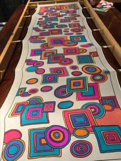 New Screen Fabric painting scarf Ideas , Saree Painting, Dress Painting, Fabric Painting, Fabric Art, Hand Painted Sarees, Hand Painted Fabric, Painted Silk, Paint Shirts, Fabric Paint Shirt
