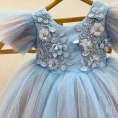 Baby Girl Frocks, Kids Frocks, Frocks For Girls, Gowns For Girls, Dresses Kids Girl, Kids Outfits Girls, Girls Party Dress, Toddler Party Dresses, Cute Dresses