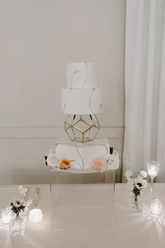 Modern South Asian Wedding-cake-with white and gold details- Foolishly Rushing In Photography Romantic Candles, Acrylic Table, South Asian Wedding, Wedding Cake Inspiration, Sweetheart Table, Groom Attire, Traditional Wedding, White Flowers, Wedding Cakes