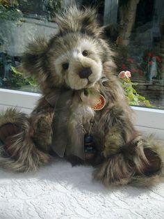 Charlie Bears - Trevor - Sort after bear